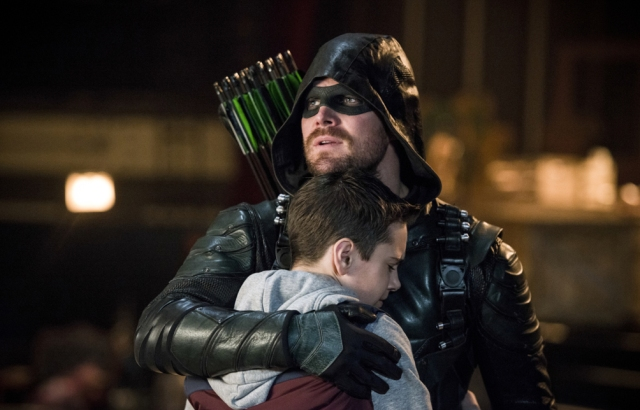 xgeeks-arrow-S6E13-TheDevils-Greatest-Trick-Review-2.jpg