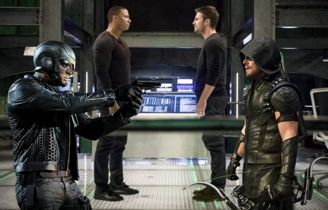 Arrow-S6E17-BrothersInArms-review-xgeeks-header.jpg