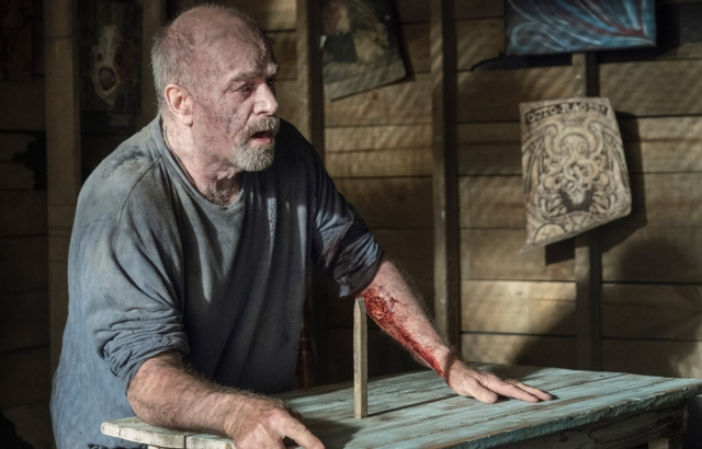thewalkingdead-walkwithus-review-s10-e12-xgeeks-earl
